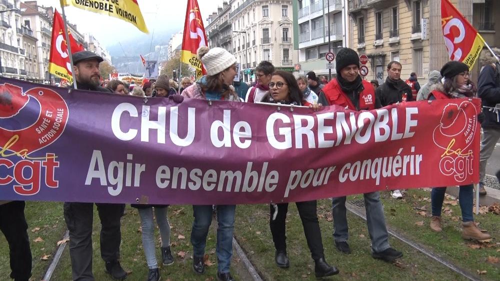 Le personnel du CHU durant une manifestation contre la réforme des retraites © Joël Kermabon - Place Gre'net