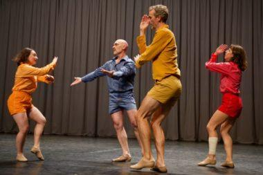 Le spectacle Danza Permanente de DD Dorvillier & Zeena Parkins, human future dance corps, a remporté le prix du jury • Pièce de groupe