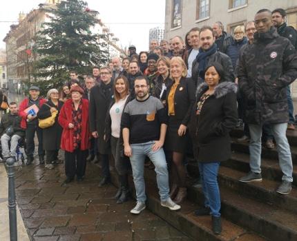 Les membres du comité de campagne d'Olivier Noblecourt. © Joël Kermabon - Place Gre'net