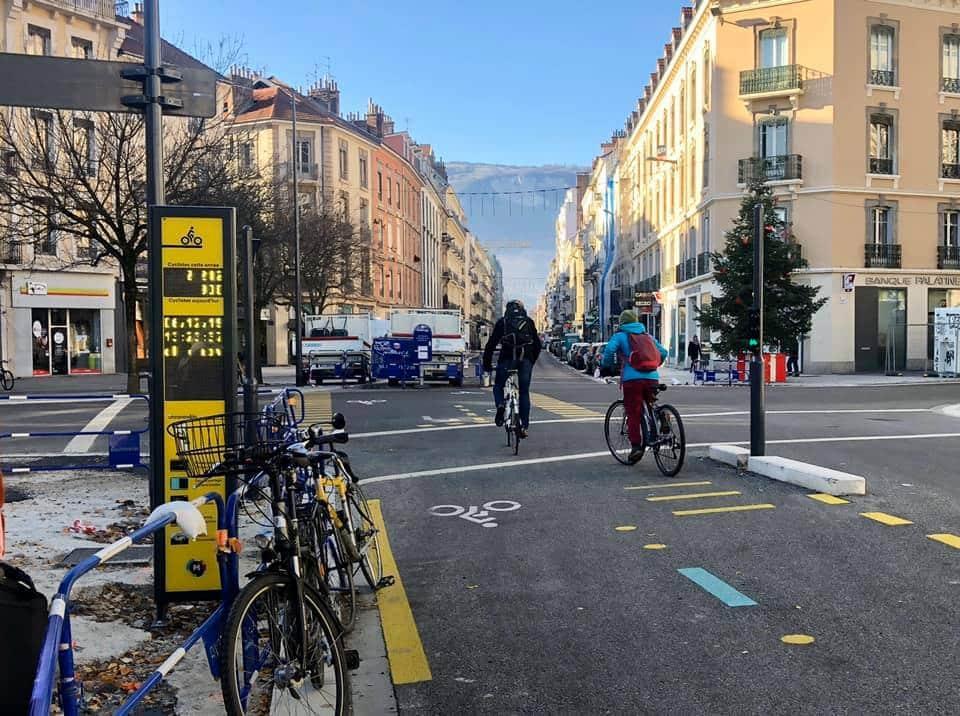 Le compteur de vélos du cours Lafontaine © Manon Heckmann - Place Gre'net