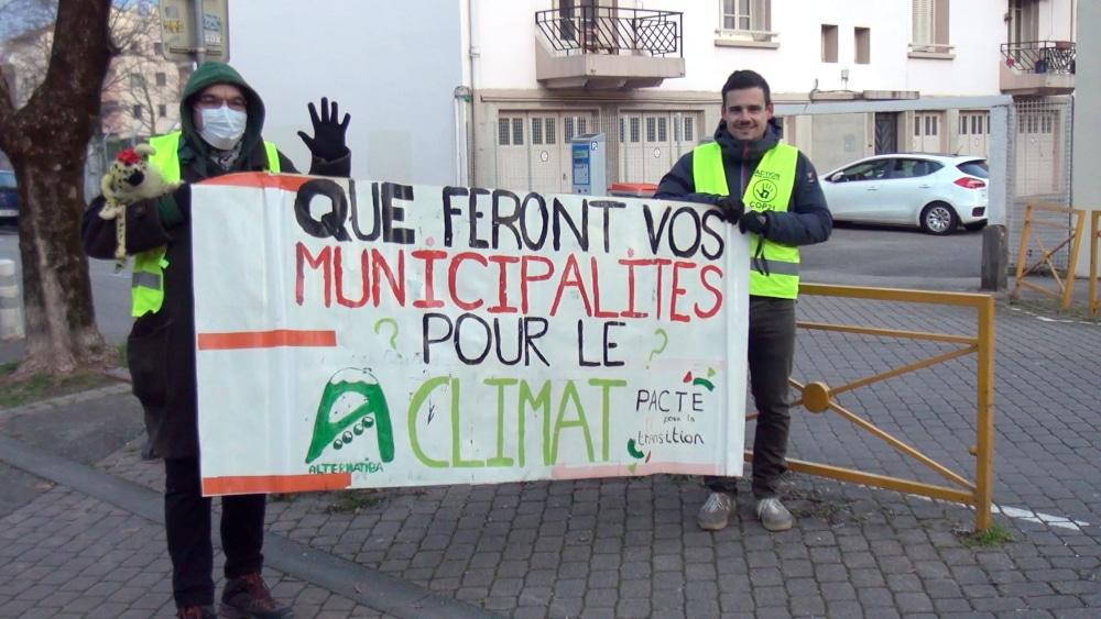 Action d'interpellation des candidats aux municipales à Grenoble © Joël Kermabon - Place Gre'net