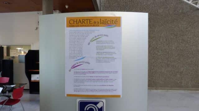 La Charte de la laïcité des services publics affichée à l'Hôtel de Ville de Grenoble © Florent Mathieu - Place Gre'net
