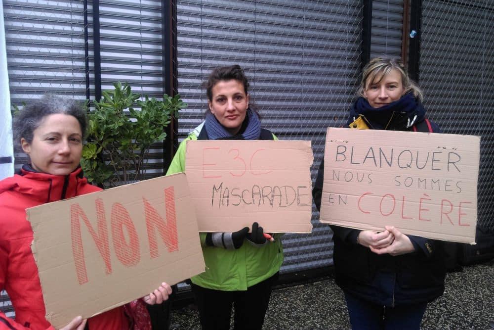 Des enseignantes en grève contre les E3C... et le ministre de l'Éducation nationale © Florent Mathieu - Place Gre'net