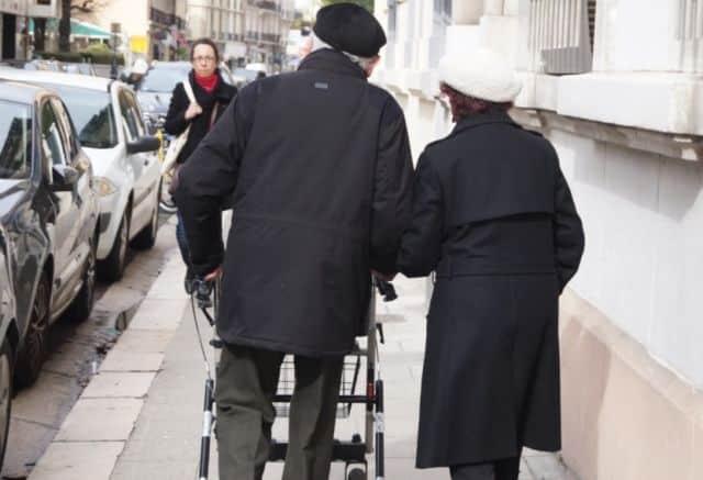 Une plateforme d'entraide à Grenoble. Le confinement peut se révéler très difficile pour les personnes fragiles, notamment les personnes âgés © Place Gre'net