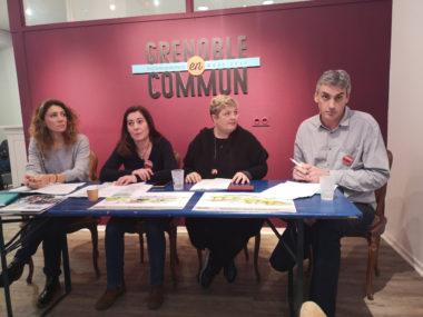 Les quatre premières personnalités de la liste Grenoble en commun. De gauche à droite : Sandra Krief, Barbara Scuman, Céline Deslattes et Gilles Namur. © Joël Kermabon - Place Gre'net