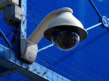 Caméra CCTV de vidéoprotection. © Alex Borland (téléchargement gratuit)