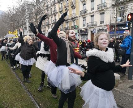 Le collectif Culture en lutte. © Joël Kermabon - Place Gre'net
