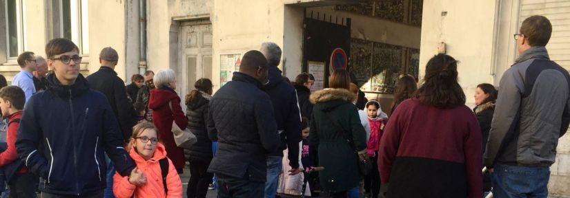 Sortie des Légère diminution du nombres d'élèves positifs à la Covid-19 sur l'académie de Grenobleà l'école primaire Jean Jaurès, février 2020 © Ambre Croset