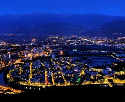 Éclairage public : le Plan lumière de Grenoble se poursuit... et les vitrines restent éclairées de nuit