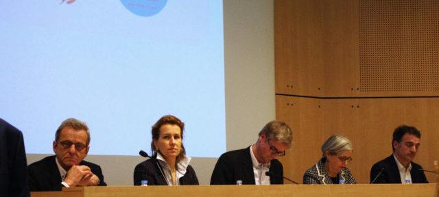 De gauche à droite, Alain Carigon, Émilie Chalas, Olivier Noblecourt, Mireille d'Ornano et Éric Piolle ont participé à ce débat sur le sport à Grenoble. © Anissa Duport-Levanti - Place Grenet