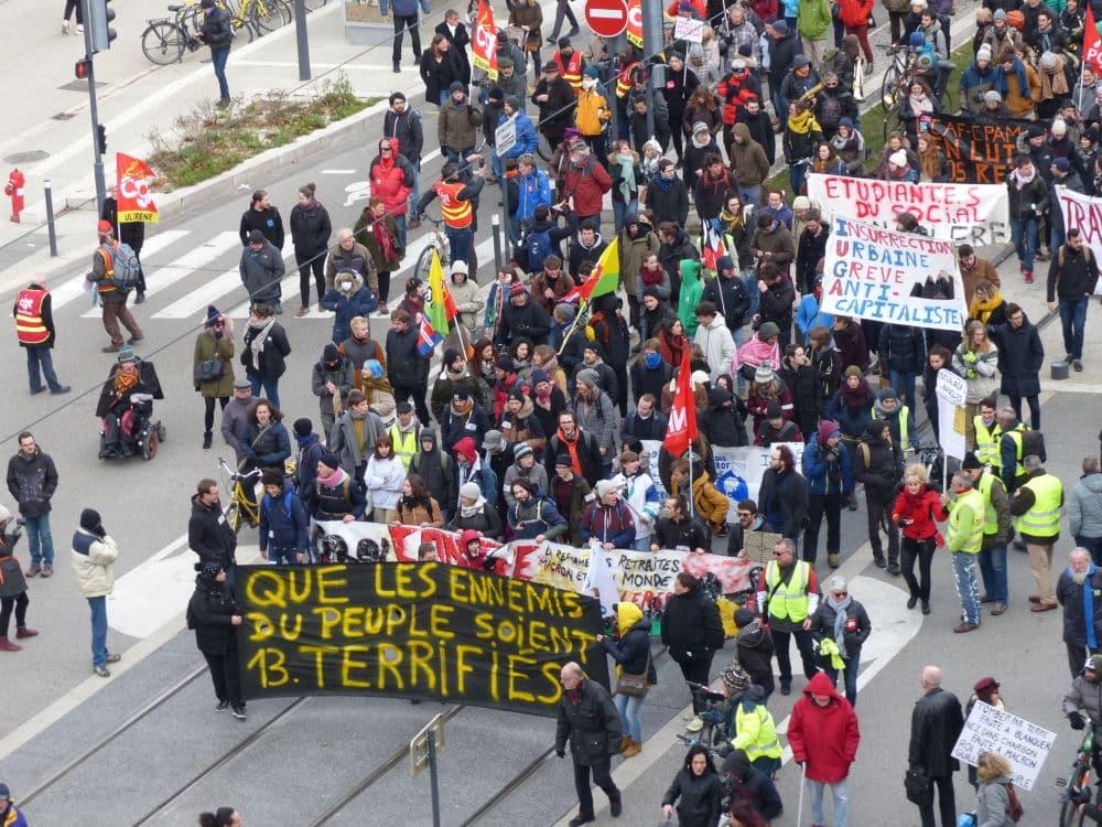 Manifestation contre la réforme des retraites le 6 février 2020 à Grenoble. © Muriel Beaudoing - Place Gre'net