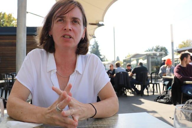 Nathalie Cote, candidate face au maire sortant et journaliste Christophe Revil © Patricia Cerinsek