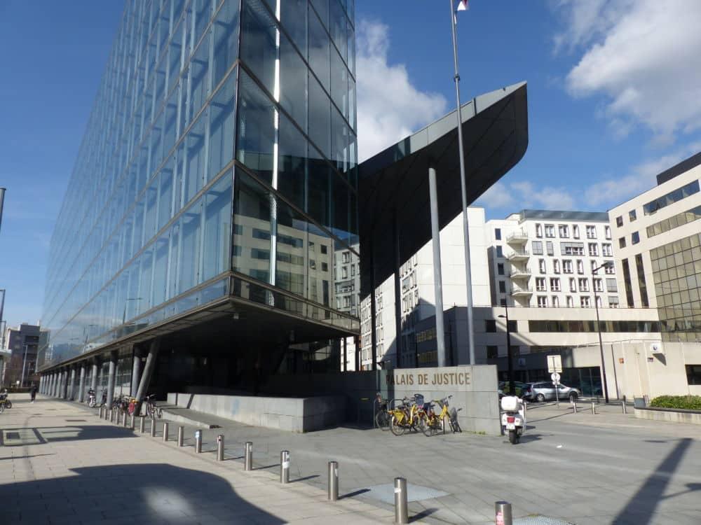 Palais de justice de Grenoble © Ambre Croset - Place Gre'net