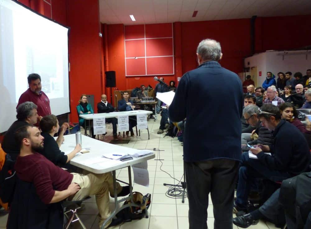 Les candidats avaient deux minutes pour s'exprimer sur les différents thèmes © Florent Mathieu - Place Gre'net