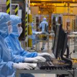 A Crolles, STMicro réduit la moitié de ses effectifs à la production jusqu'au 2 avril. Insuffisant pour la CGT qui réclame l'arrêt total de la production.