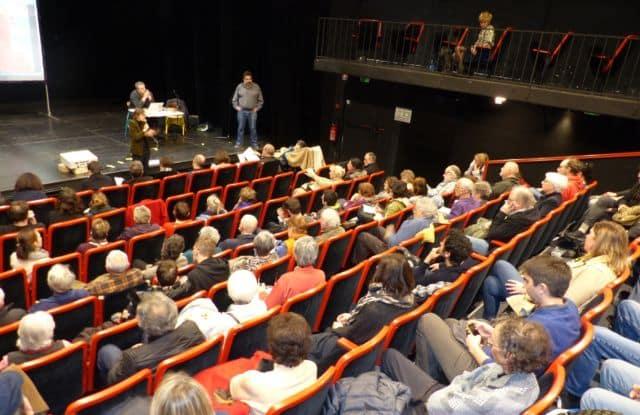 Réunion publique entre élus et habitants du quartier Berriat Saint-Bruno en 2018 au Théâtre 145 © Florent Mathieu - Place Gre'net