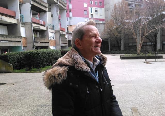 """Grenoble: quand le candidat Piolle parle """"embellissement"""", Alain Carignon répond… """"propreté""""Alain Carignon dans le quartier de la Villeneuve © Florent Mathieu - Place Gre'net"""