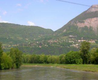 Corenc vue de la rivière © Wikipedia