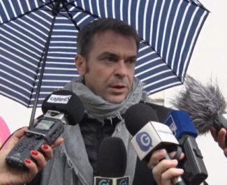 Deux étudiants de Sciences Po Grenoble portent plainte contre Édouard Philippe et Olivier Véran pour mise en danger de la vie d'autrui.