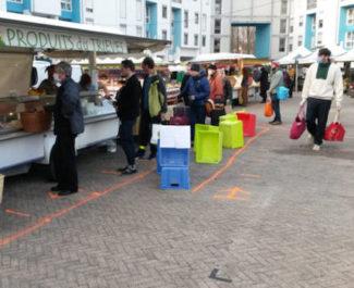 A Grenoble, les marchés alimentaires ouverts ont été ré-autorisés. Le préfet doit encore se prononcer sur la réouverture du marché couvert des Halles.