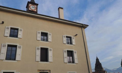 UNE Mairie de Moirans. © Patricia Gastineau - Place Gre'net
