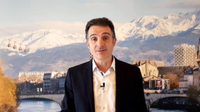 Éric Piolle lors de son point d'étape du lundi 30 mars en direct sur Facebook © Ville de Grenoble
