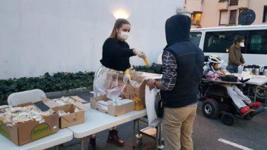 Distribution d'aide alimentaire par l'association Magdalena pendant le confinement de la crise sanitaire du coronavirus, en mars 2020 à Grenoble © Séverine Cattiaux - Place Gre'net
