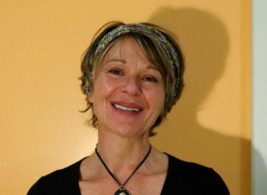 Sylvie Dumas a créé Radio Covid-19 Berriat le 24 mars, après un hommage en musique à Manu Dibango. © Anissa Duport-Levanti - Place Gre'net