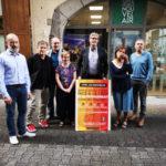 L'équipe de Grenoble nouvel air devant son local de campagne a présenté son plan de réparation social. © Joël Kermabon - Place Gre'net