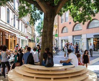 """Mobilier urbain : deux """"cocons"""" installés à Grenoble"""