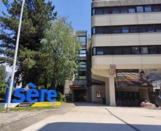 Le Département persiste et signe: les aides à domicile (à temps plein) toucheront bien une prime de mille euros