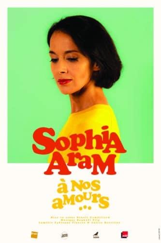 Sophia Aram présente son nouveau spectacle.