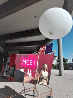 Clin d'œil d'été devant la MC2: Grenoble à l'occasion de sa réouverture post-confinement en juin 2020. © Paul Turenne - Placegrenet.fr