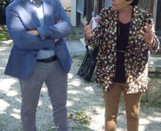 Michèle Rivasi, députée européenne EELV est venue apporter son soutien à Alban Rosa pour le second tour des municipales à Echirolles. © Thomas Courtade - Place Gre'net