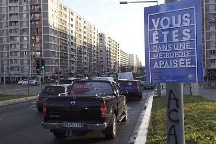 """UNE Lancement de la démarche """"métropole apaisée"""" dans la Métropole de Grenoble © Joël Kermabon - Place Gre'net"""