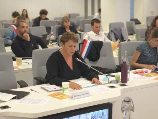 Annabelle Bretton, coprésidente du groupe Grenoble en commun, samedi 25 juillet 2020 © Joël Kermabon - Place Gre'net
