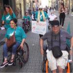 Les handi-citoyens dans les rues de Grenoble. © Joël Kermabon - Place Gre'net