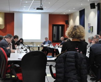 A quelques heures de l'élection du maire de Sassenage, sept élus de l'opposition annoncent leur démission. Et dénoncent une « mascarade politique ».