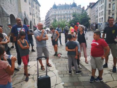 Plusieurs personnes hébergées au centre d'hébergement de Comboire ont témoiogné de leur situation. © Joël Kermabon - Place Gre'net
