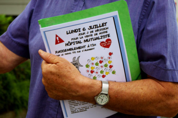Le collectif des usagers du GHM appelle à un rassemblement devant la clinique mutualiste ce lundi 6 juillet. © Anissa Duport-Levanti - Place Gre'net