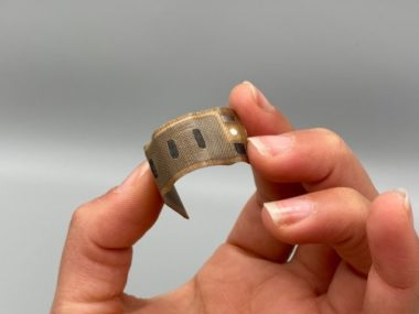 La pile BeFC est ultra-mince et flexible ! © BeFC