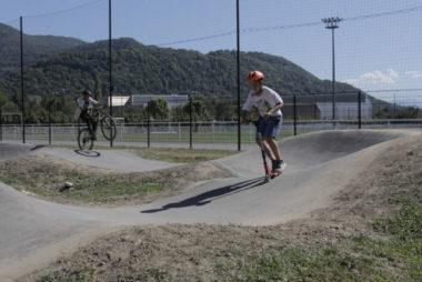 Une piste de pumptrack inaugurée à la plaine des sports
