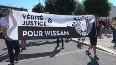Une marche « contre les violences policières » et pour « la dignité, la justice et la vérité ». © Joël Kermabon - Place Gre'net