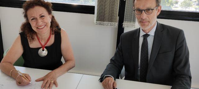 Prélèvements d'organes : un protocole signé au Chuga Monique Sorrentino et Eric Vaillant