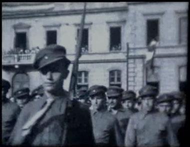 Certaines séquences du film « Le 8 mai 1945 à Grenoble » révèlent que des troupes russes ont défilé à Grenoble. © Georges Gimel