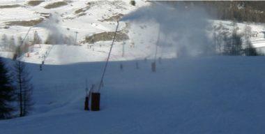 Aux Deux-Alpes, la commune a en projet la construction d'une nouvelle retenue d'eau. Pour alimenter 385 canons supplémentaires © photo extraite du dossier d'étude d'impact