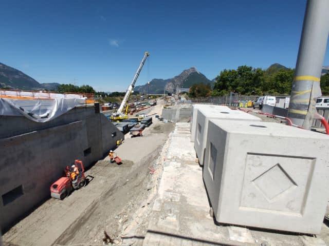 Les travaux d'élargissement de l'A480 vus depuis le pont de Catane, actuellement interdit aux automobilistes © Corentin Bemol - Place Gre'net