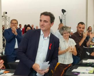 Eric Piolle applaudi au Conseil Municipal