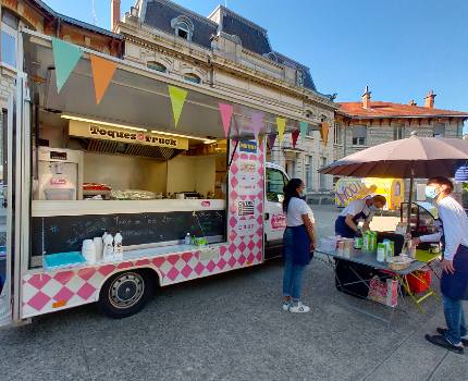 food truck CHU Grenoble Toques en Truck Tout le monde contre le cancer