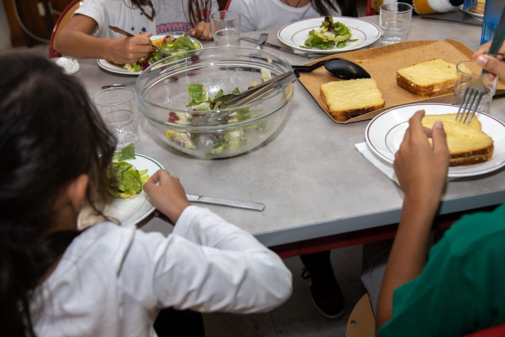 Un jour de cantine en moins dans les écoles de Grenoble. © Ville de Grenoble
